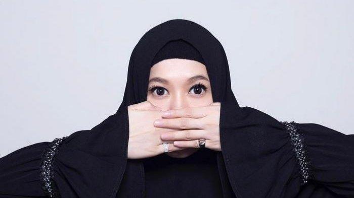 Dipolisikan Seorang Wanita Karena Pencemaran Nama Baik Lyra Virna Pun Ditetapkan Jadi Tersangka