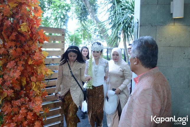 Penampilan cantik Poppy bikin suaminya pangling! © KapanLagi.com®/Bayu Herdianto