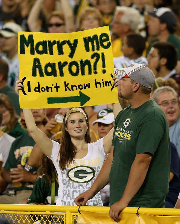 Hilarious Fan Signs That Deserve Their Own Standing Ovation