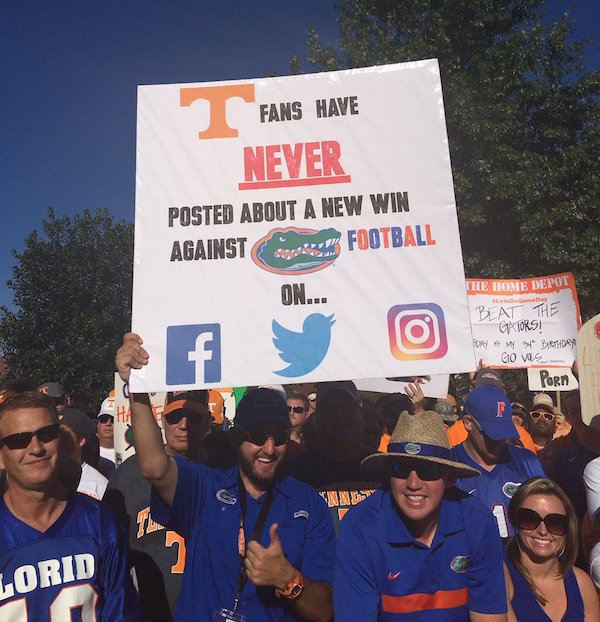 Cthyswgaeqrnu Funny College Gameday Signs Are Back P Os