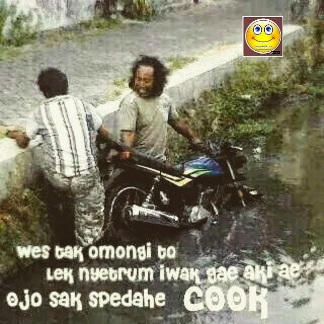Udah Di Bilangin Kalo Mau Nyetrum Ikan Pake Aki Bukan Sama Sepeda Motornya Wkwkwk