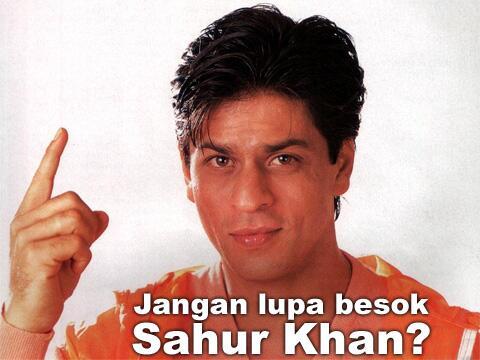 Artis Bollywood Shah Rukh Khan Dibuat Meme Mengingatkan Besok Sahur Khan