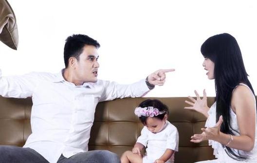 Tips Agar Suami Istri Tak Semakin Panas Saat Bertengkar