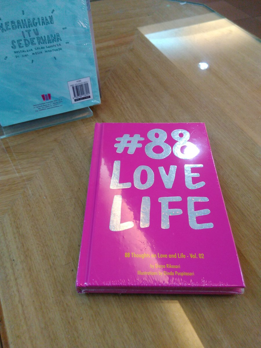 Gramedia Batam On Twitter Love Life Vol Consisting Of Quotes And Stories On Love And Life The Goal Of This Book