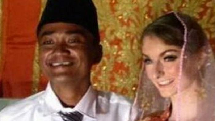 Lucu Banget Begini Penampakan Anak Pemuda Padang Yang Menikahi Bule Cantik