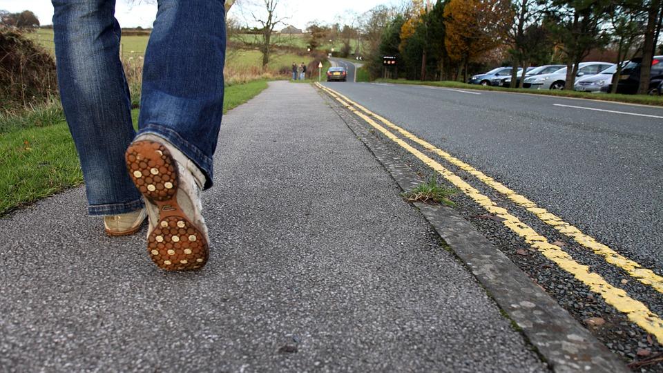 5 Manfaat Berjalan Kaki Menurut Andrew Hidayat