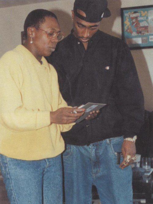 Besten  Tupac Shakur Mother Ideen Auf Pinterest Tupac Liebeszitate Pac Zitate Und