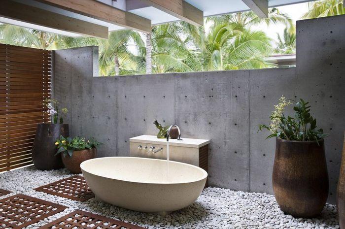 Kamar mandi terbuka alami - Andrew Hidayat (AndrewHidayat.com) Photo: Grid.id