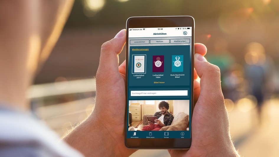 Lutherbibel  Als App Auf Einem Smartphone