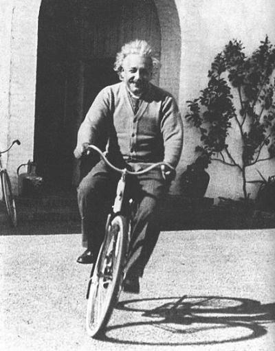 Spruch Von Albert Einstein Das Leben Ist Wie Fahrrad Fahren