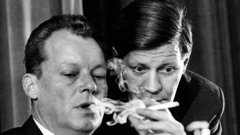 Willy Brandt L Im Gesprach Helmut Schmidt Damals Noch Hamburger Innensenator