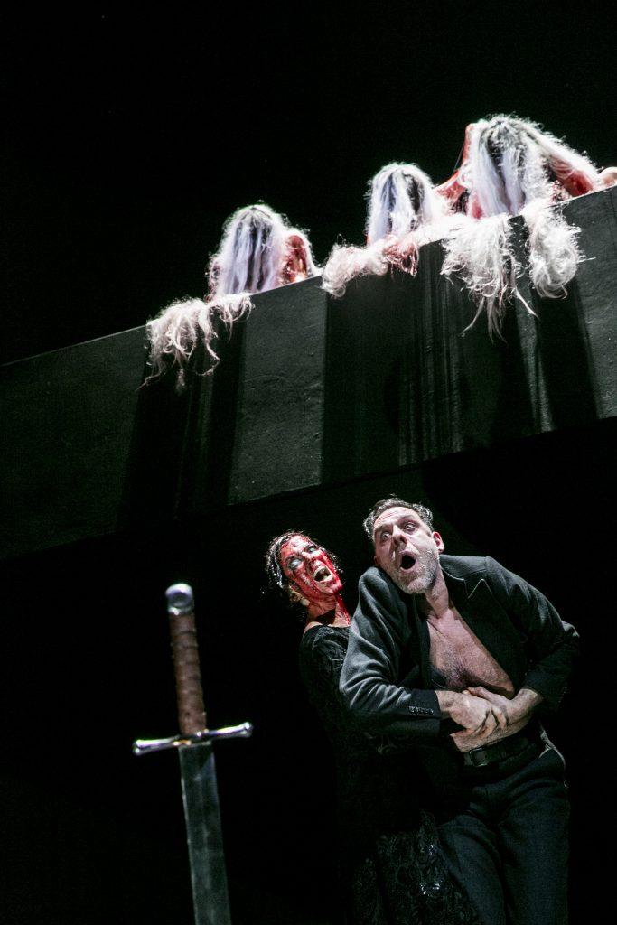 Theater Quadratisch Praktisch Tot Bayernkurier